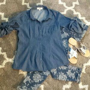 L.E.I. Denim Button front shirt
